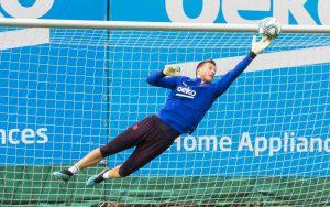 Barcelona estuda venda do goleiro brasileiro Neto ao Villarreal