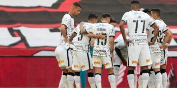 Em Porto Alegre, Corinthians tenta embalar de vez no Brasileirão e manter Grêmio no Z-4