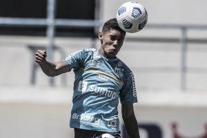 """Pai de Vinicius Balieiro confia em renovação: """"Só depende do Santos"""""""
