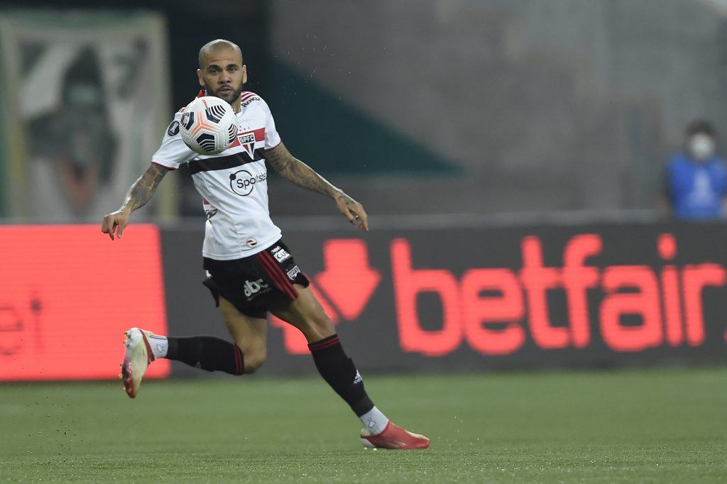 Fluminense se aproxima de anunciar Dani Alves