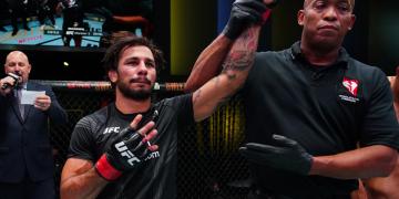 """Alexandre Pantoja pede disputa de cinturão contra Brandon Moreno após vitória no UFC Vegas 34: """"Chegou a minha vez"""""""