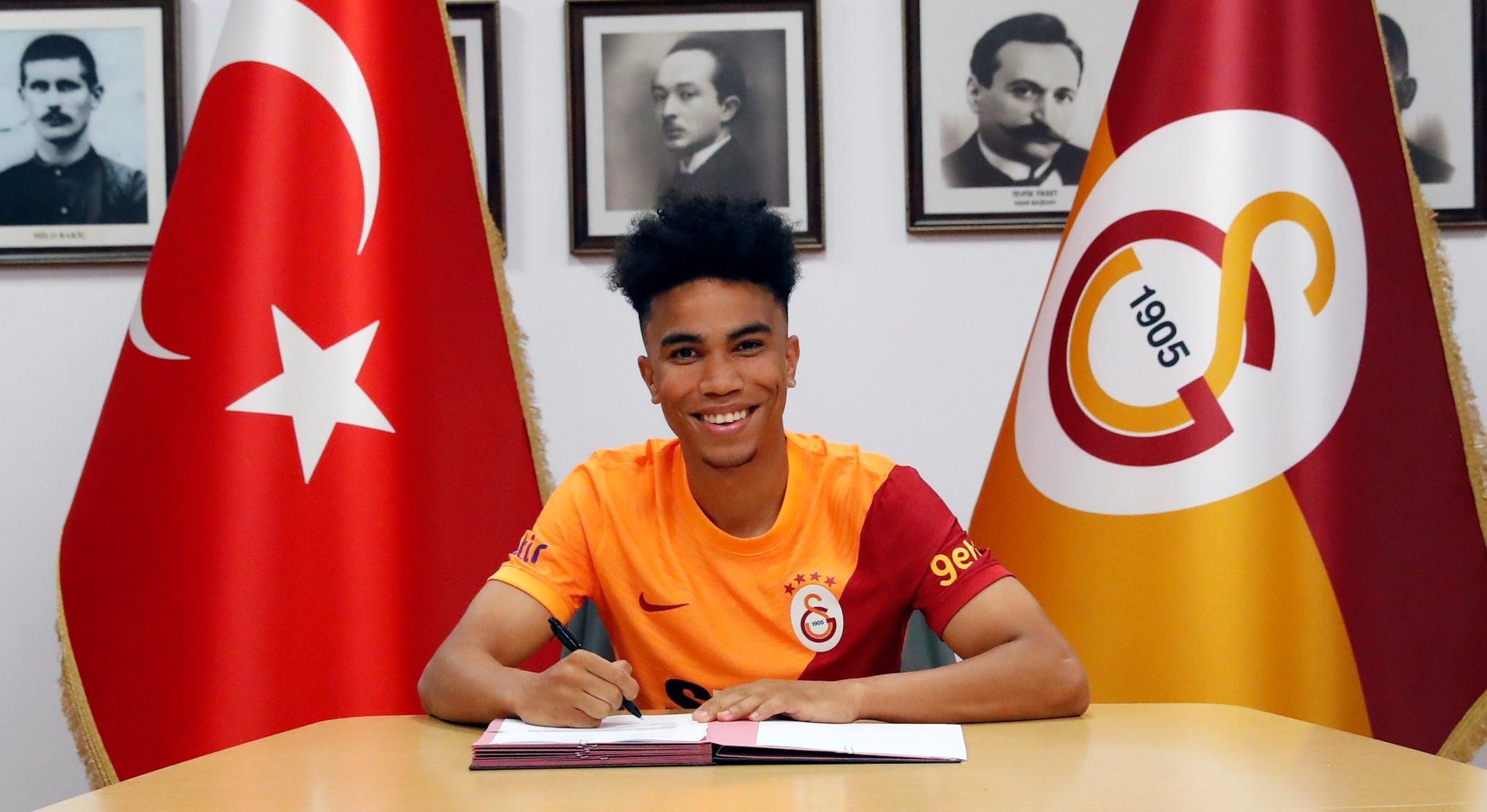 Com passagem pelo Sub-17 do São Paulo, Gustavo Assunção é anunciado pelo Galatasaray