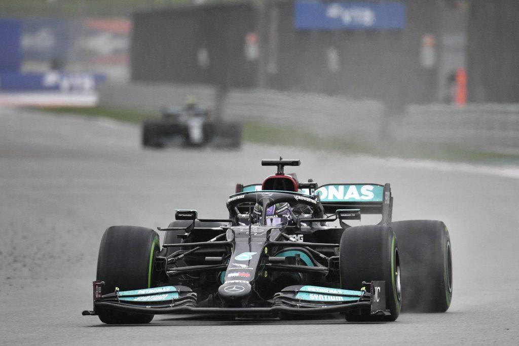 Hamilton vence o GP da Rússia de F1 e conquista a 100ª vitória da carreira