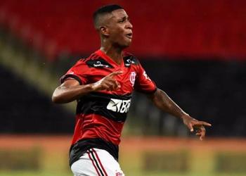Flamengo empresta o jovem meia Max ao Cuiabá