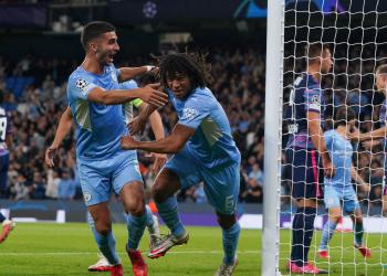 Pai de Aké morreu minutos depois do filho marcar seu primeiro gol na Champions League