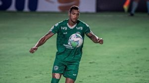 Fluminense planeja próxima temporada e segue de olho no zagueiro David Duarte