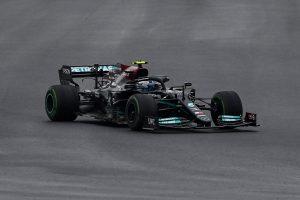Bottas segura Verstappen na Turquia e vence pela primeira vez na temporada da F1