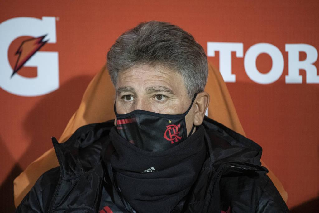 Depois de breve reunião para acertar detalhes do novo contrato, Renato Gaúcho foi anunciando como o novo técnico do Flamengo (Foto: Alexandre Vidal/Flamengo)