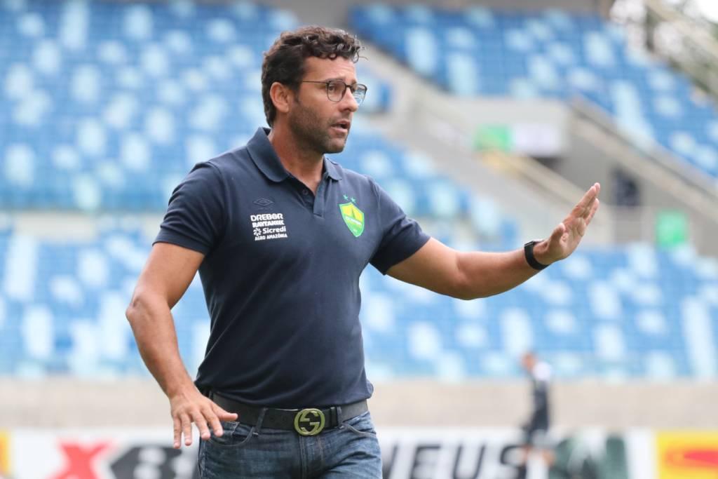Alberto Valentim foi demitido do comando do Cuiabá logo após a primeira rodada do Brasileirão. De acordo com o presidente do clube, a dispensa foi motivada exclusivamente por opção técnica (Foto: Divulgação/Cuiabá)
