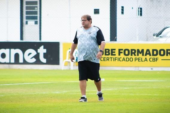 Em 29 de agosto, horas depois da derrota para o América-MG, o Ceará anunciou a demissão do técnico Guto Ferreira, encerrando o ciclo de um ano e cinco meses de trabalho. (Foto: Divulgação/Marcelo Vidal)